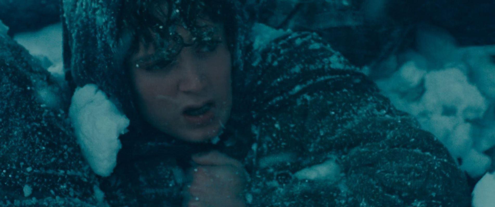 le seigneur des anneaux frodon neige montagne